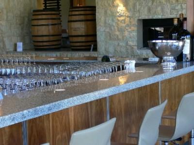 granite-kitchen-counter-tops-shopfitting-image-01_400_300